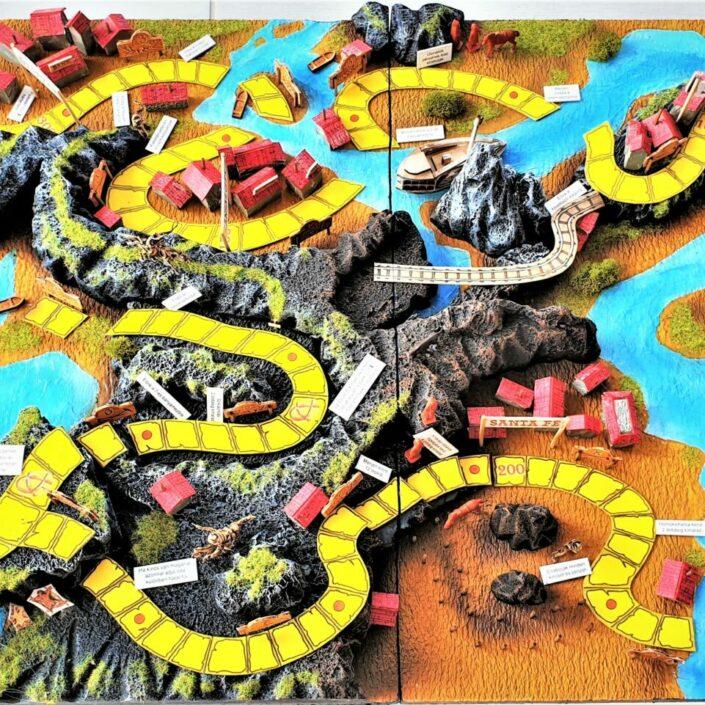 Az Ezüst-tó kincse társasjáték terepasztalon