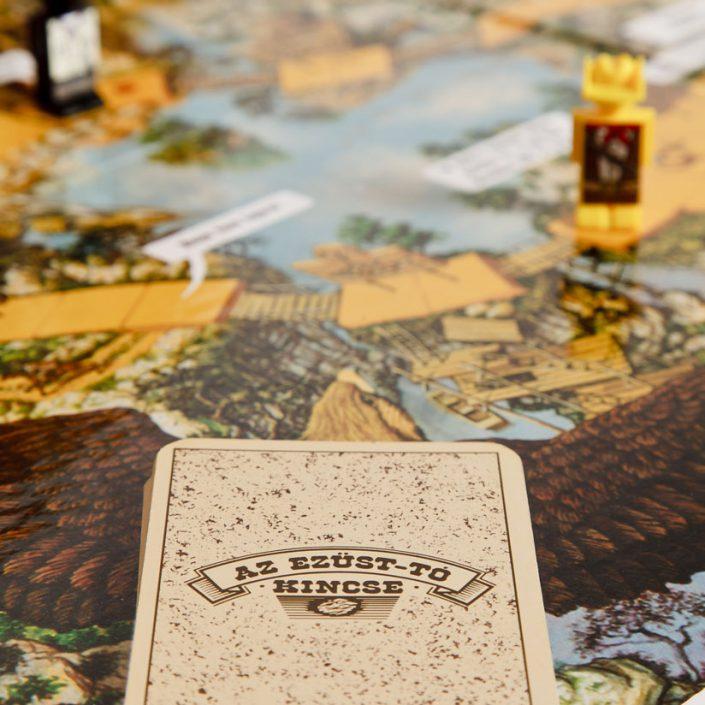 Az Ezüst-tó kincse társasjáték szerencse kártyái