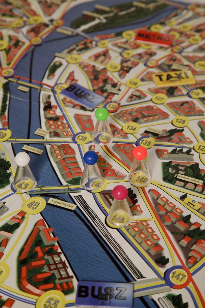 Police 07 Reloaded társasjáték Dr. Faktor nyomában